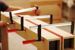 Ce sunt menghinele pentru taierea si prelucrarea lemnului?